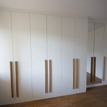 WARDROBES AND CLOSETS